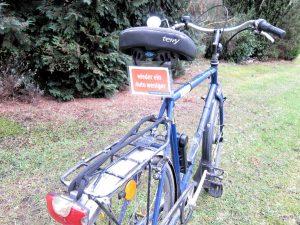 Fahrrad mit dem Schild